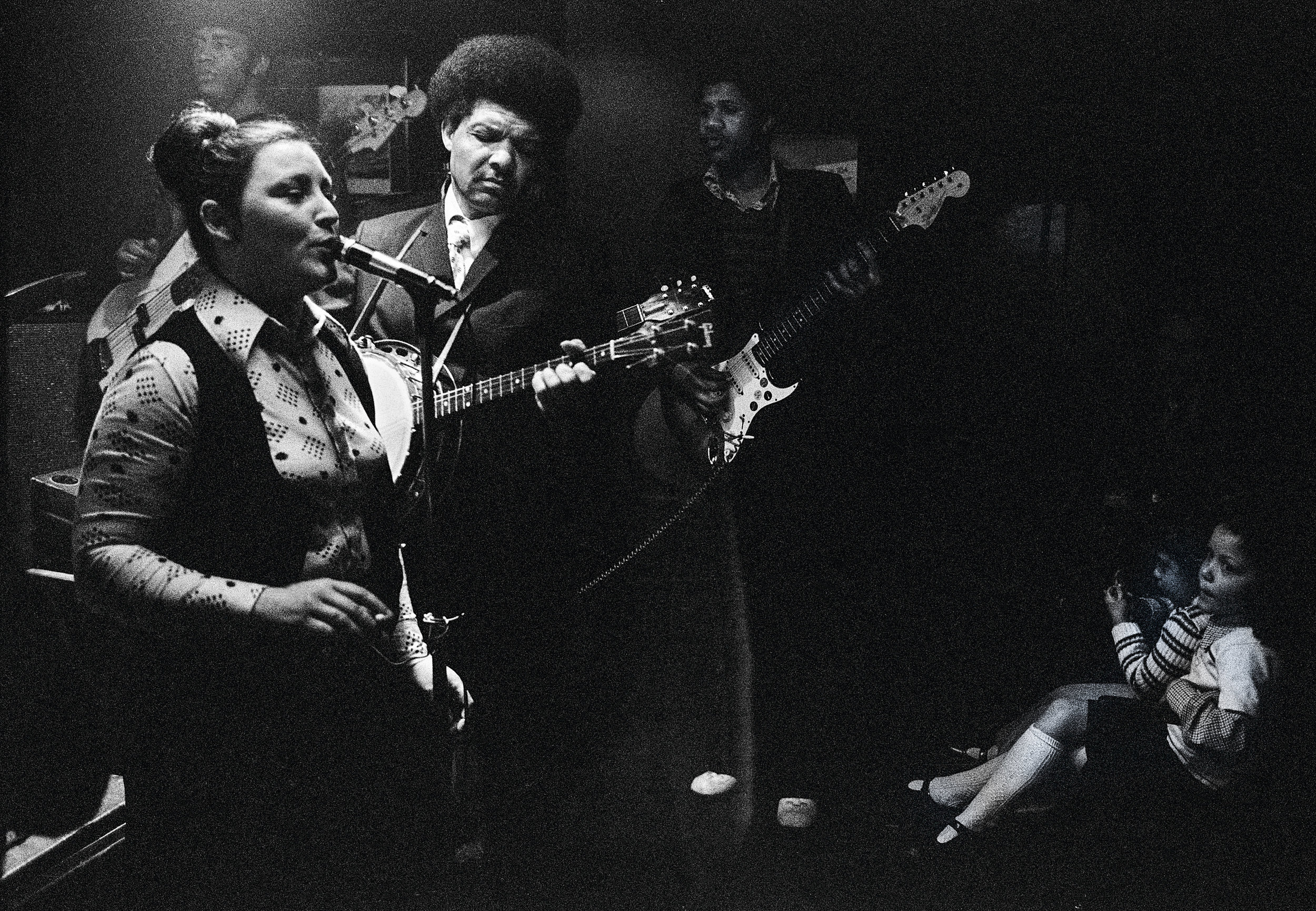 Singers in Coach and Horses Pub, 1975