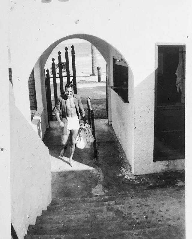 POST SWIM    Cuba 🇨🇺 1948, Robby always came runnin back at the first sign of food