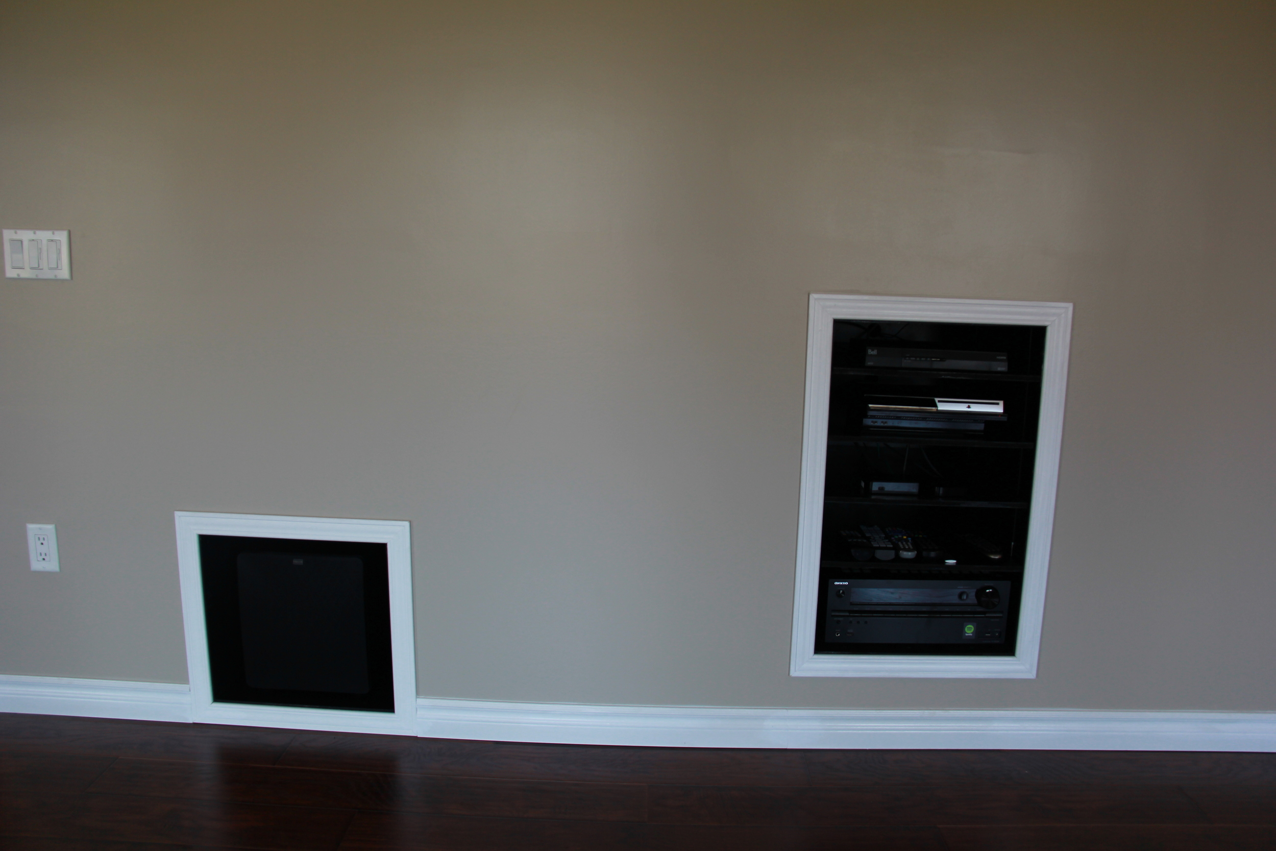 31 1162 Escala Final Pictures with Canon - Custom Entertainment Units.JPG