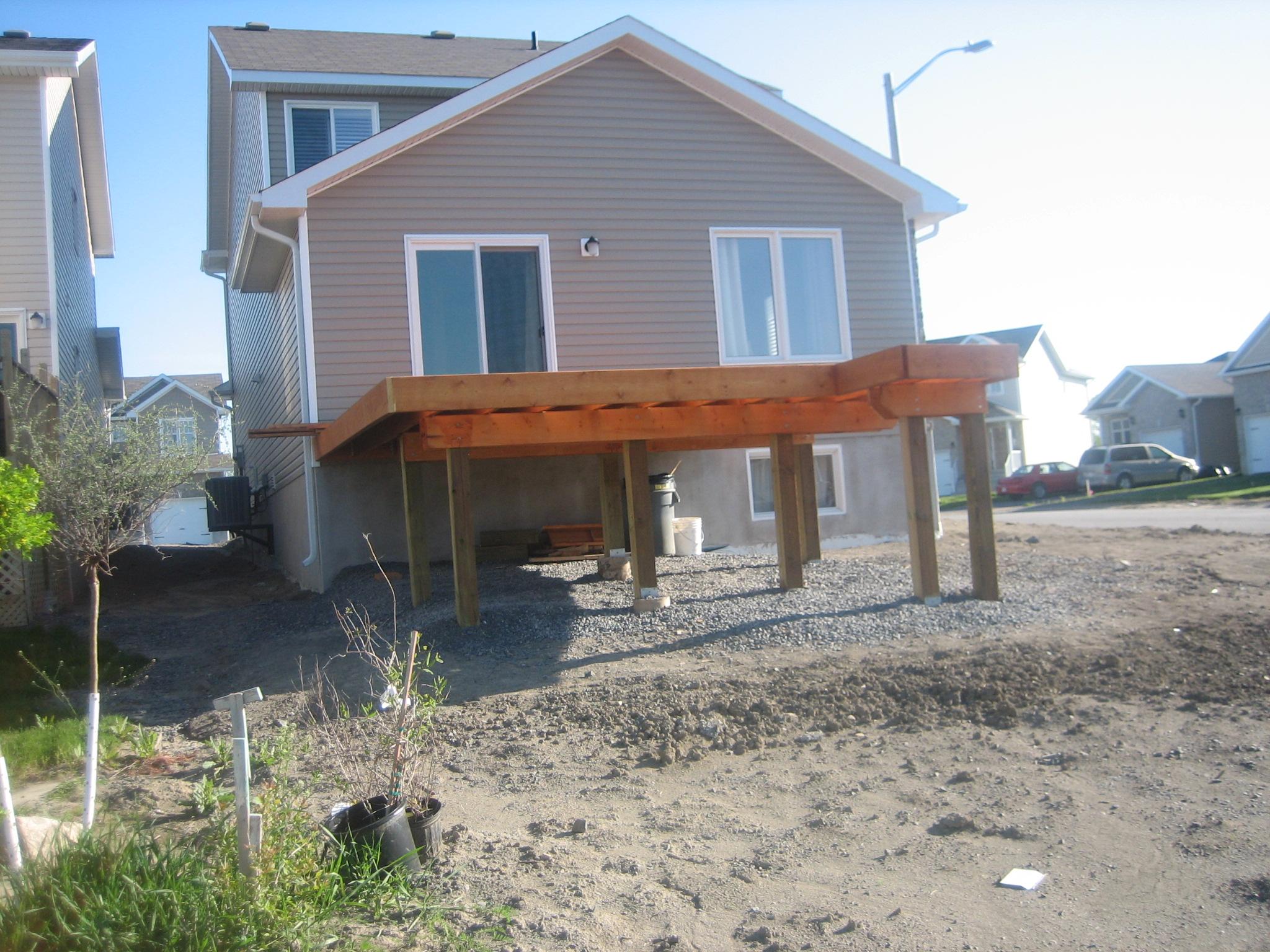 Deck 2009-05-18 (6).JPG