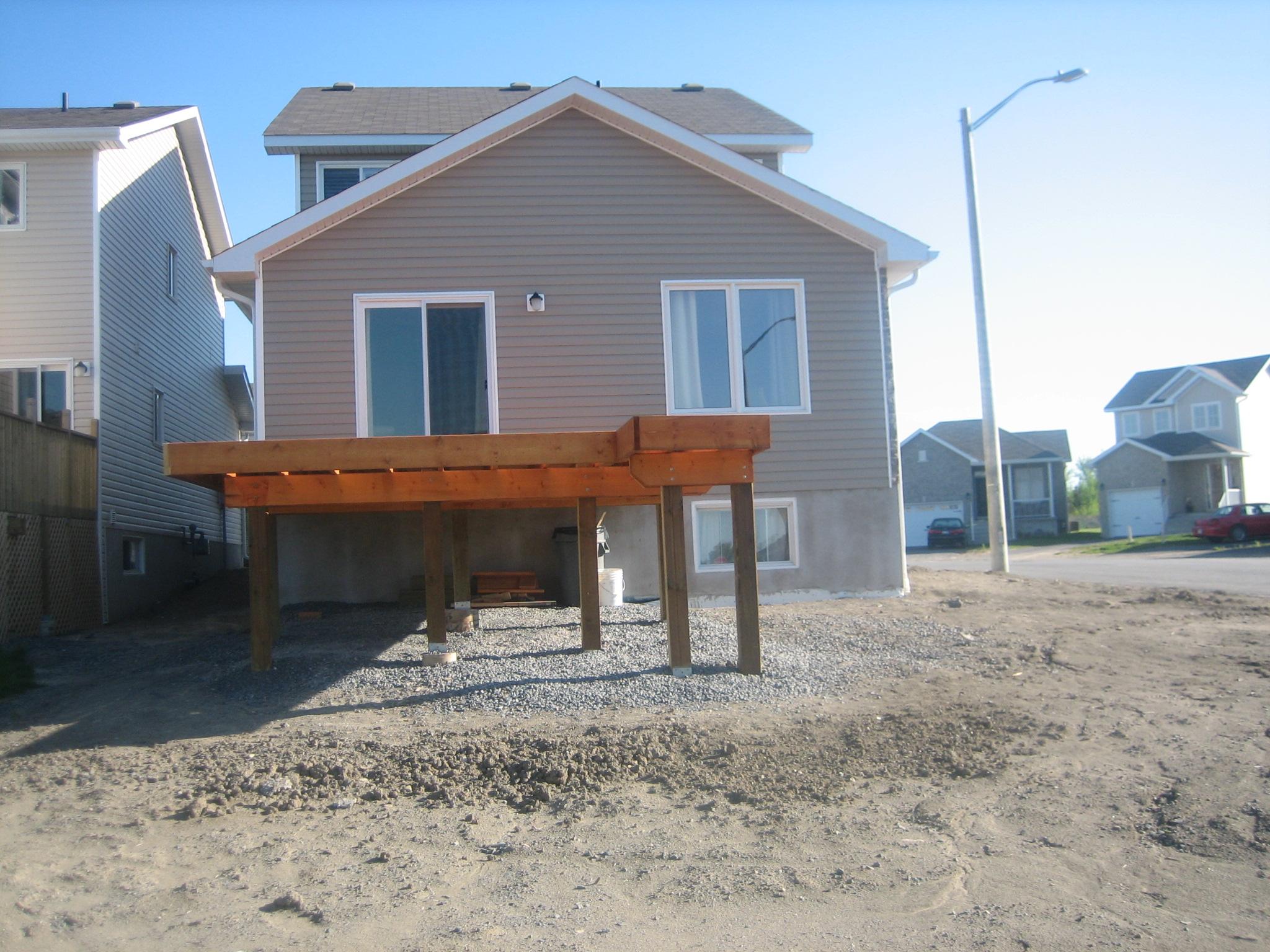 Deck 2009-05-18 (7).JPG
