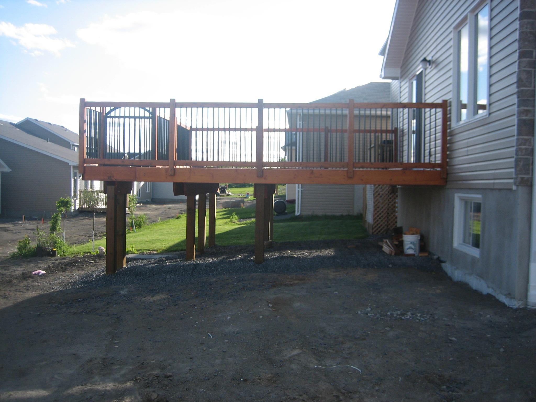 Deck 2009-05-18 (15).JPG