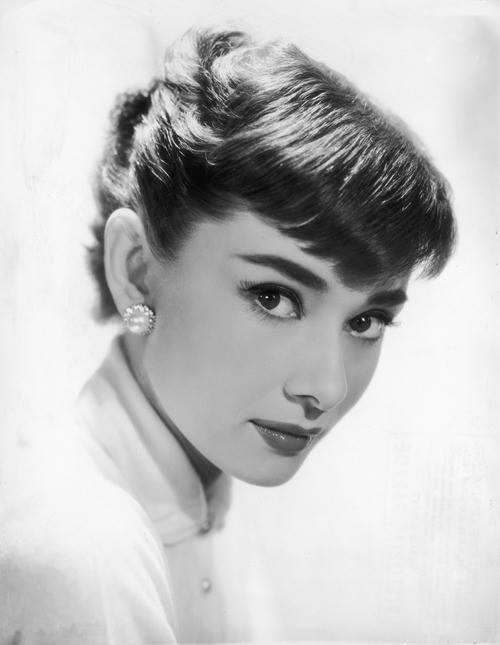 Audrey Hepburn studio portrait 1953