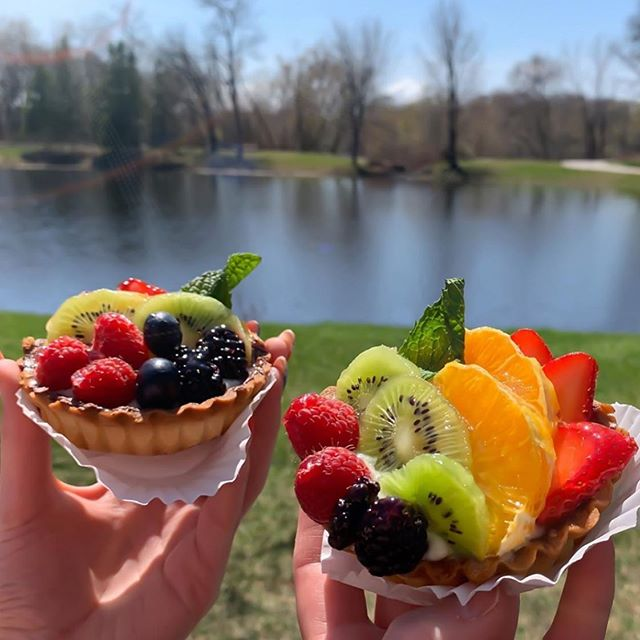 What a great shot of our fruit tarts by @_nailgirlshae ... Hopefully you were able to share a special moment with your mom yesterday!! #frenchwaycafe#fruittarts#guestphoto