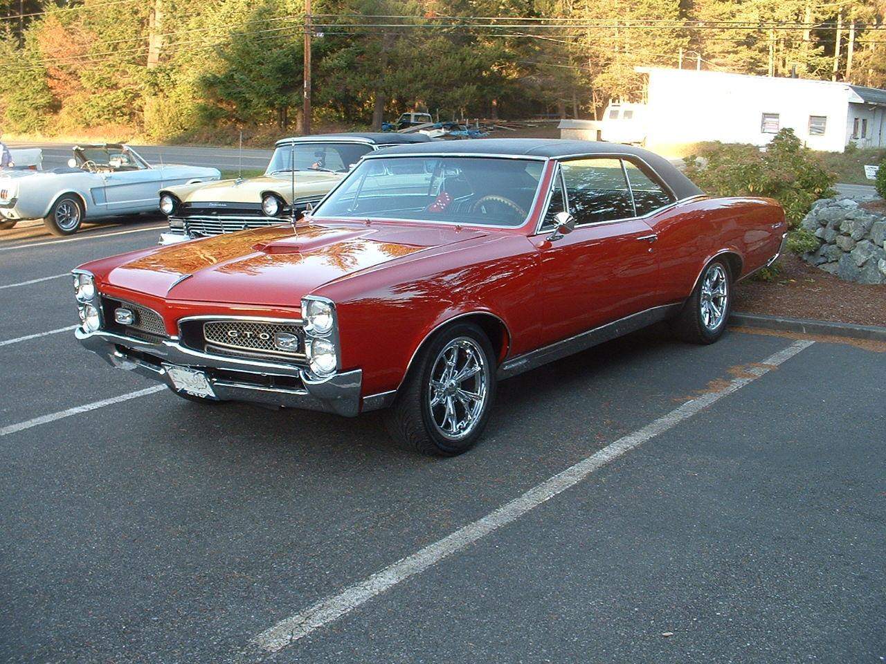 Lynn & Barbara Holmes 67 Pontiac GTO