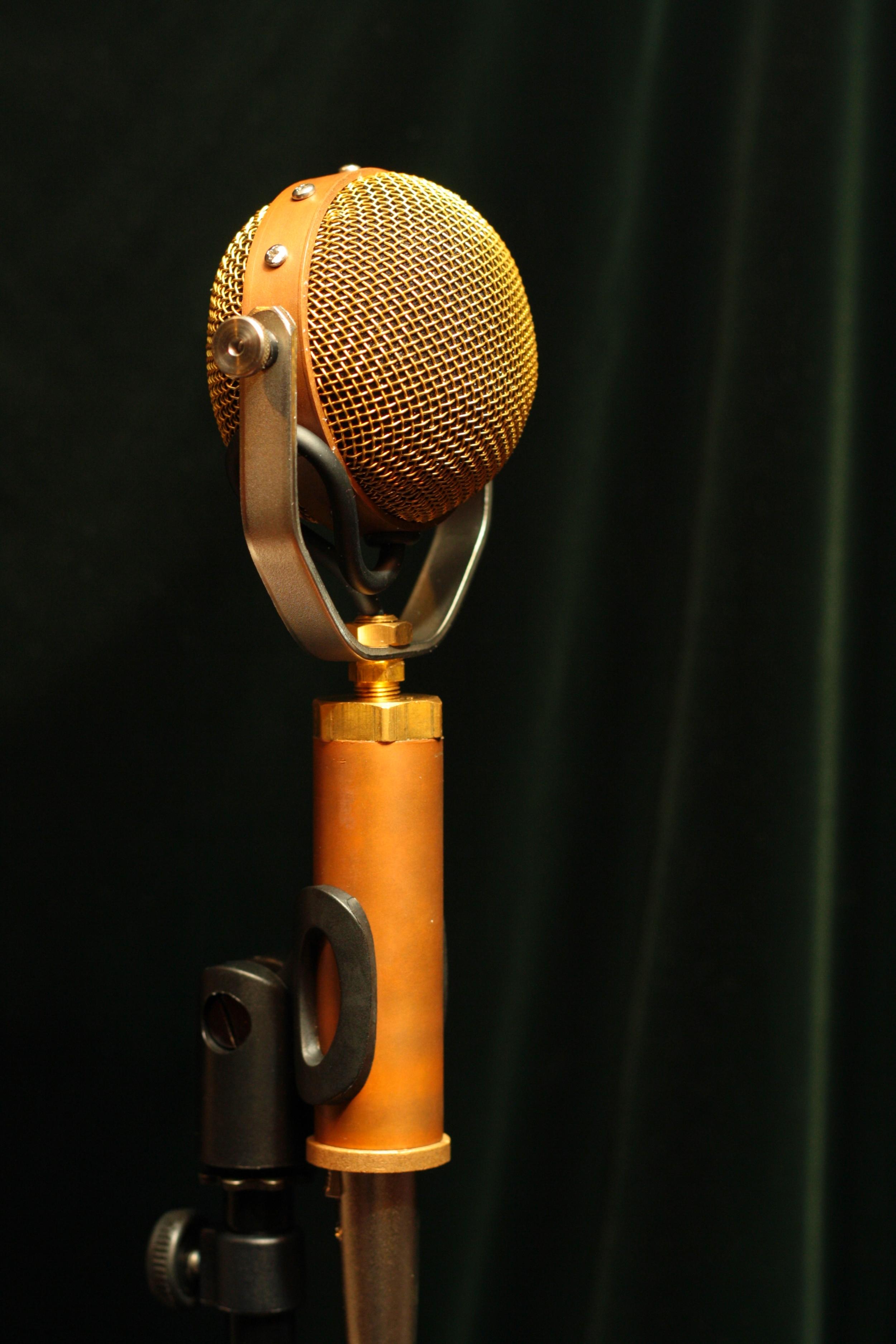 X-Y stereo mic (Decemberists'drum overhead)