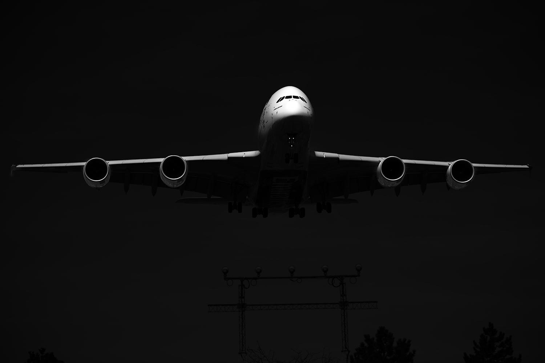 Plane Metal - a380 face on.jpg