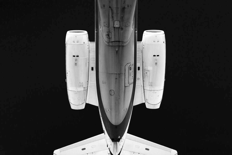 Plane Metal - RJ tail symmetry.jpg