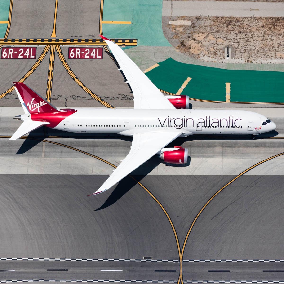 virgin taxiway 787 (1 of 1).jpg