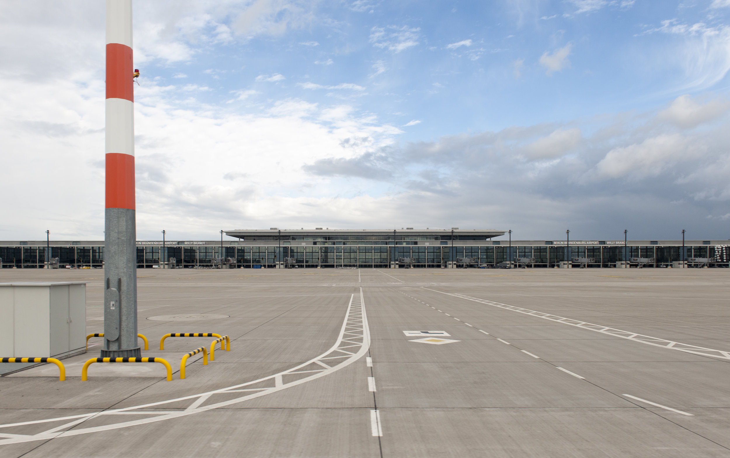 Airport The Laird Co BER Airport Ramp Elevation Architecture Exterior photography.jpg