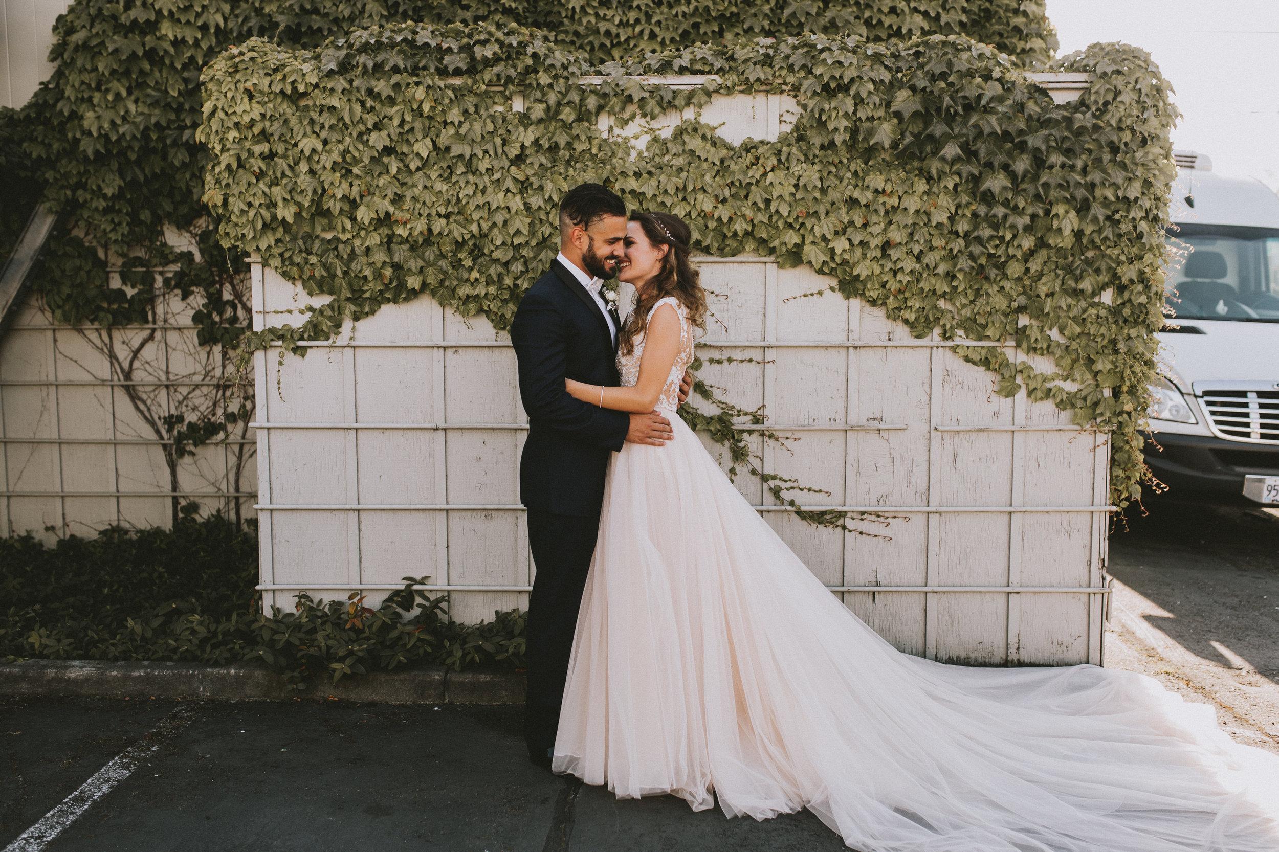 SAMLANDRETH-bridals-3.jpg
