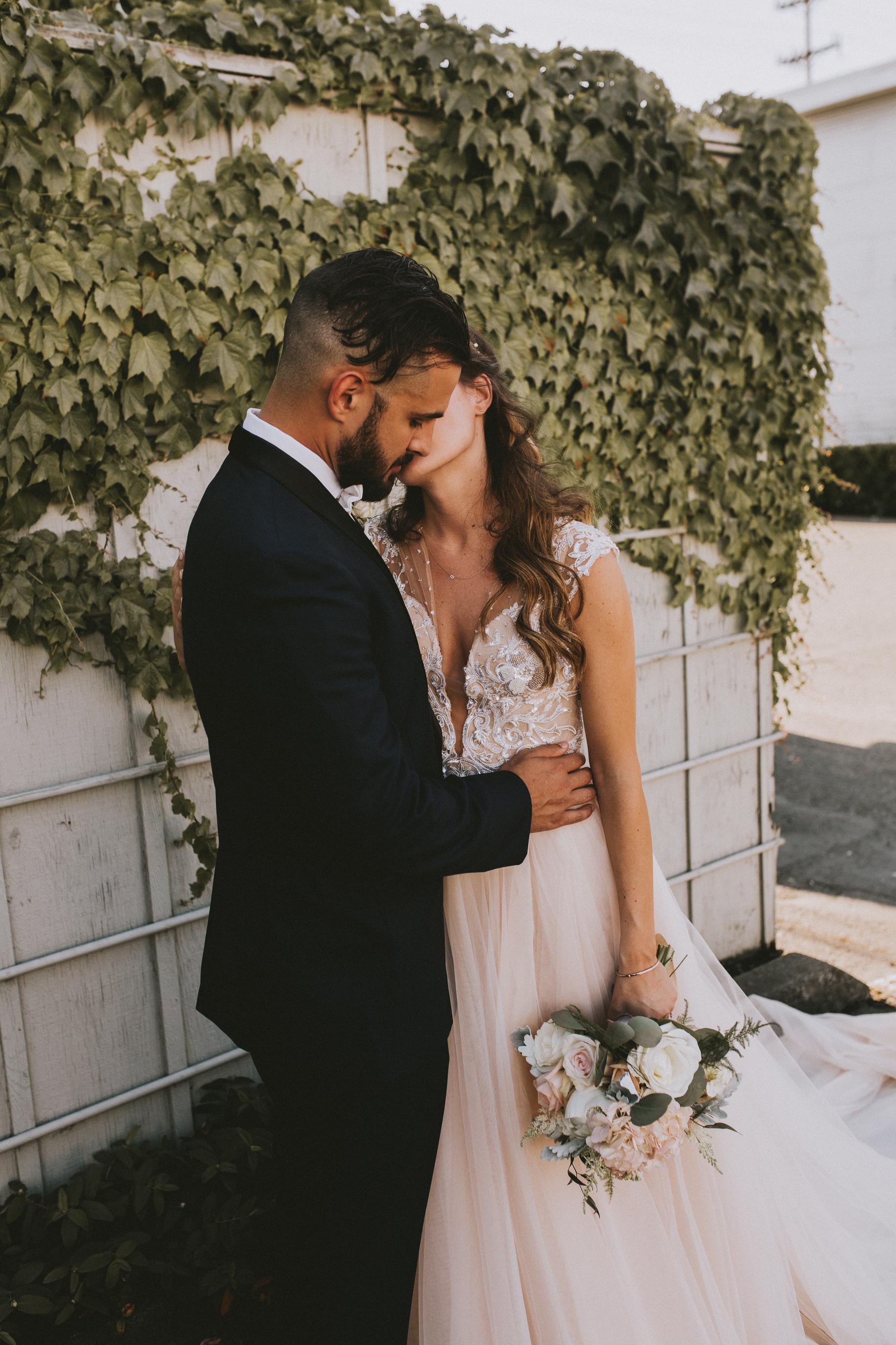SAMLANDRETH-bridals-14.jpg