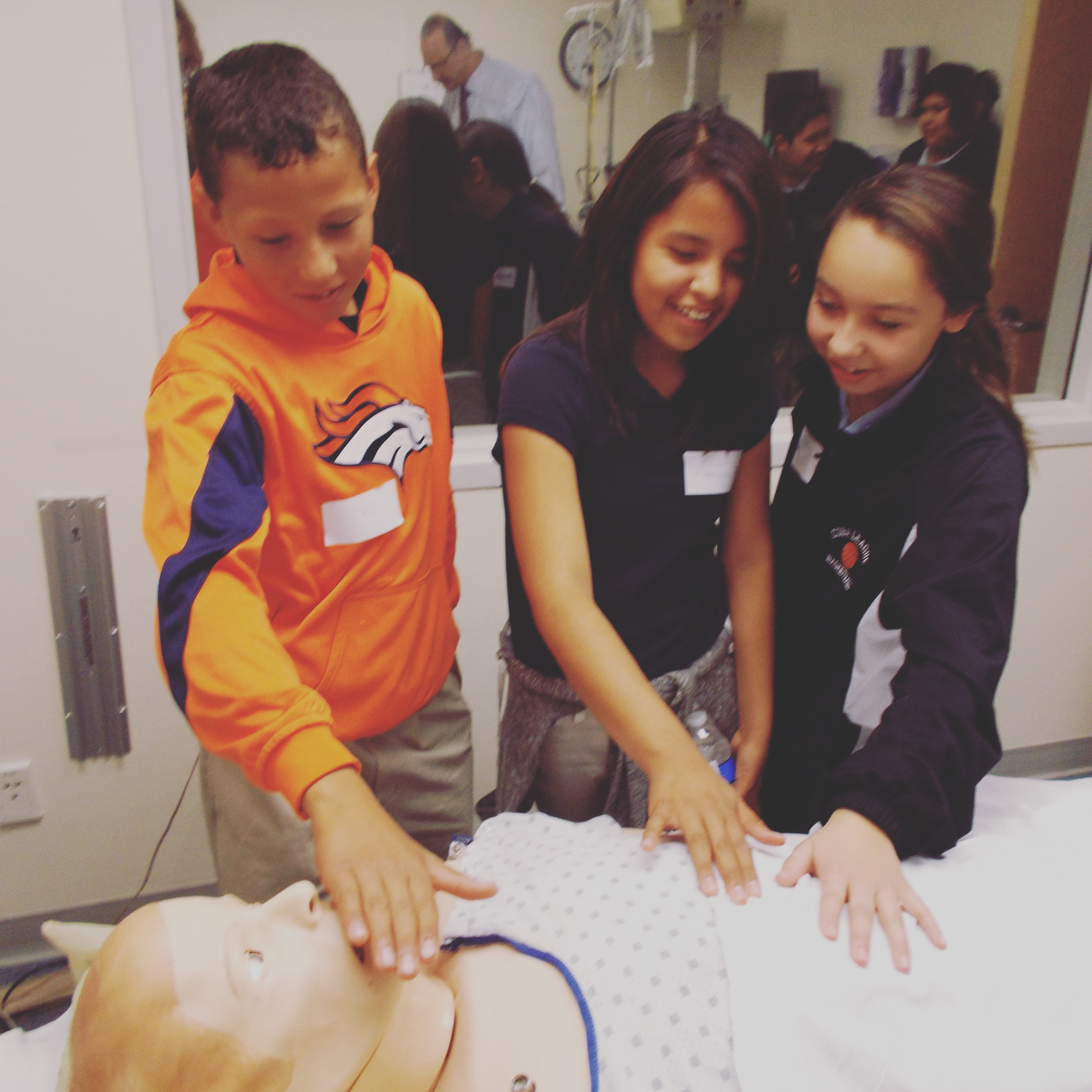 Cuba 7th grade students feel the mannequin's breath and heart beat