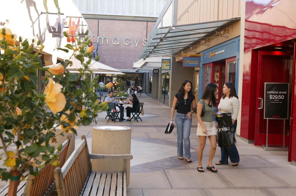Stanford Shopping Center Walkway