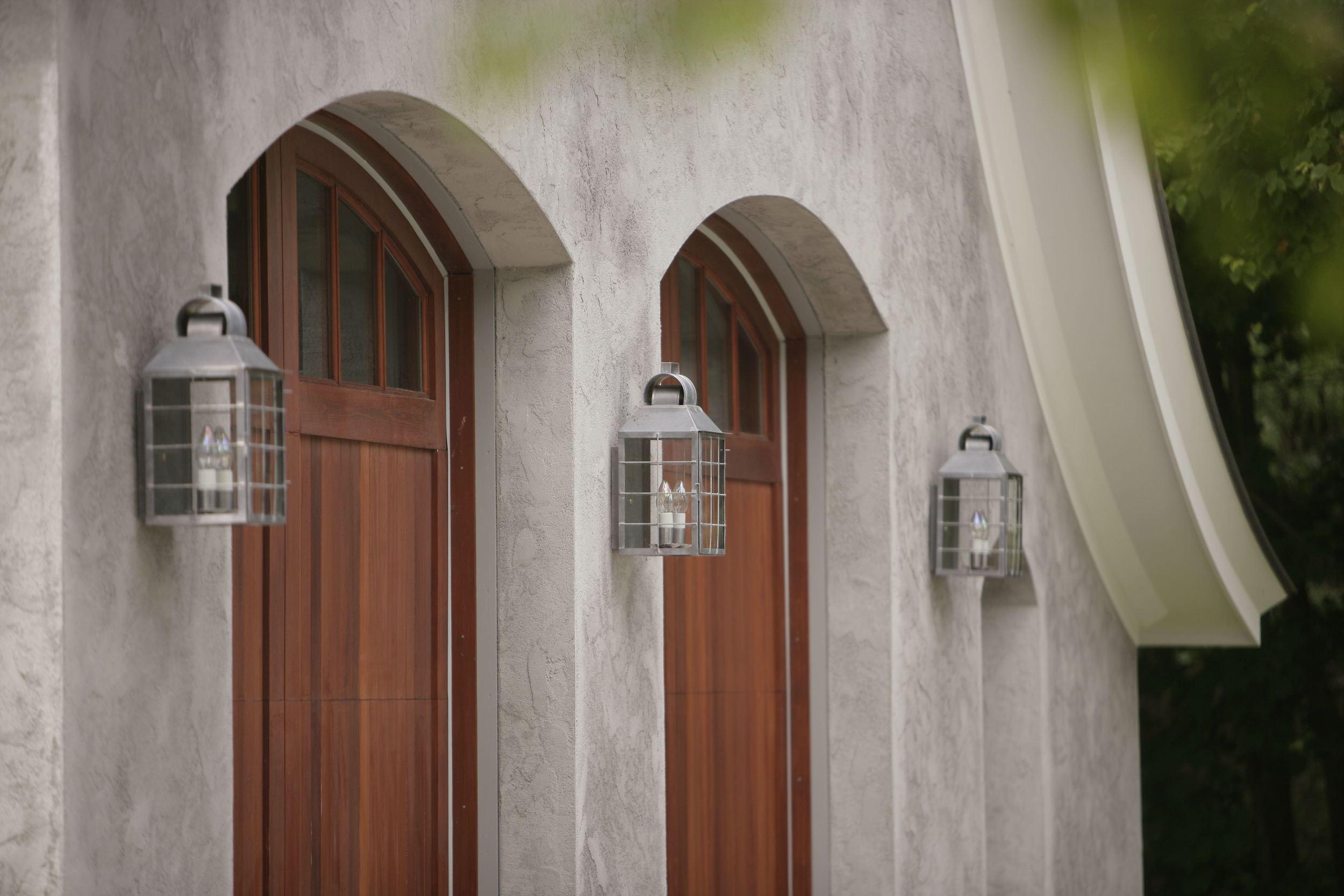 garge doors arch.jpg