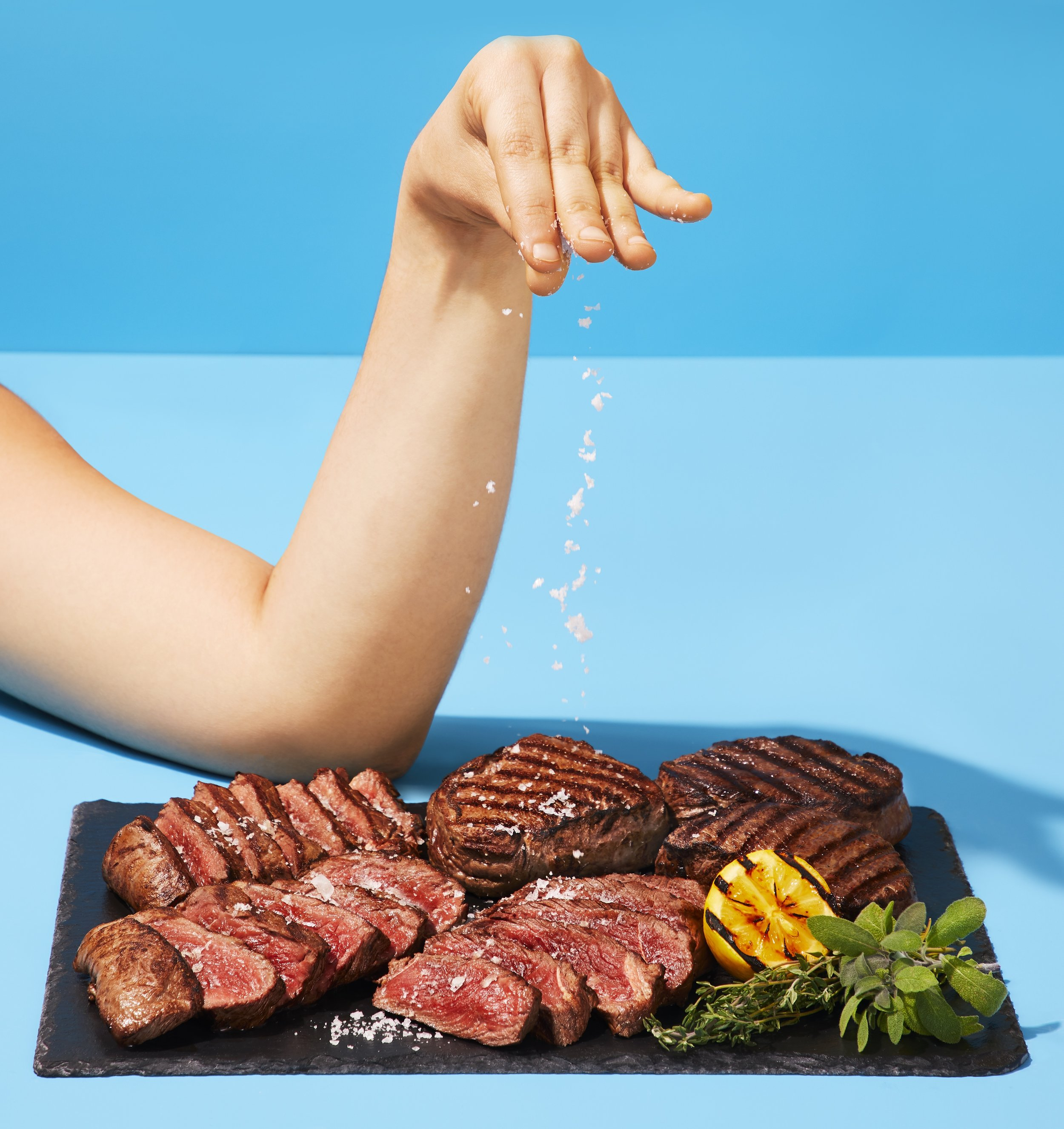 GrillingBox_Steak_SaltBae_01.jpg