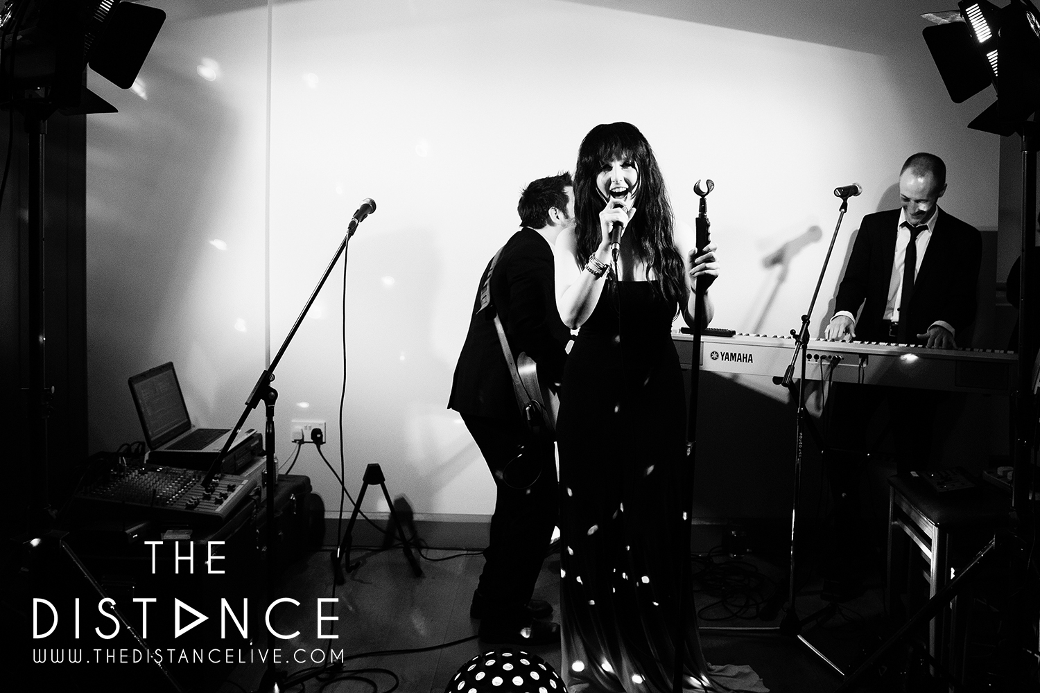 the ashes country house barn acoustic wedding band the distance