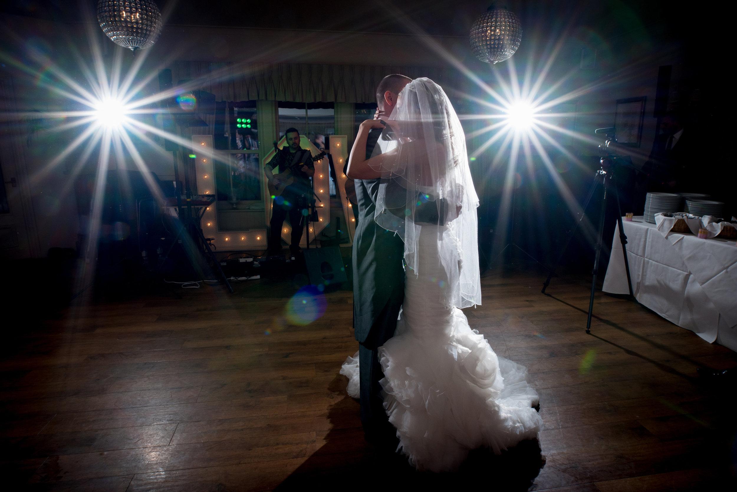 Shireburn arms wedding band | The Distance