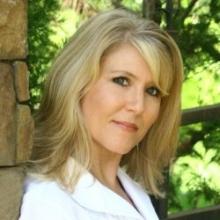 DONNA SHOREY 850.246.0571  donna@destinsold.com