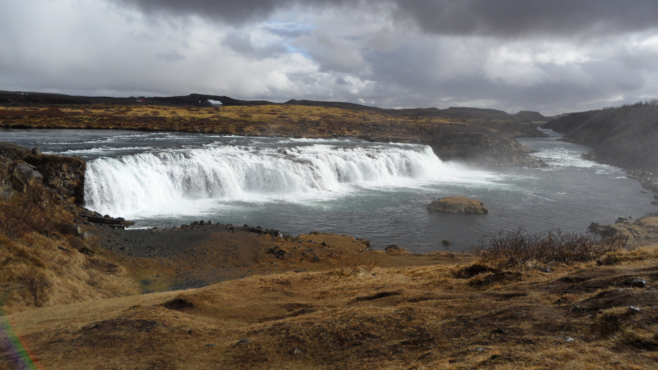 Another view of Vatnsleysufoss.