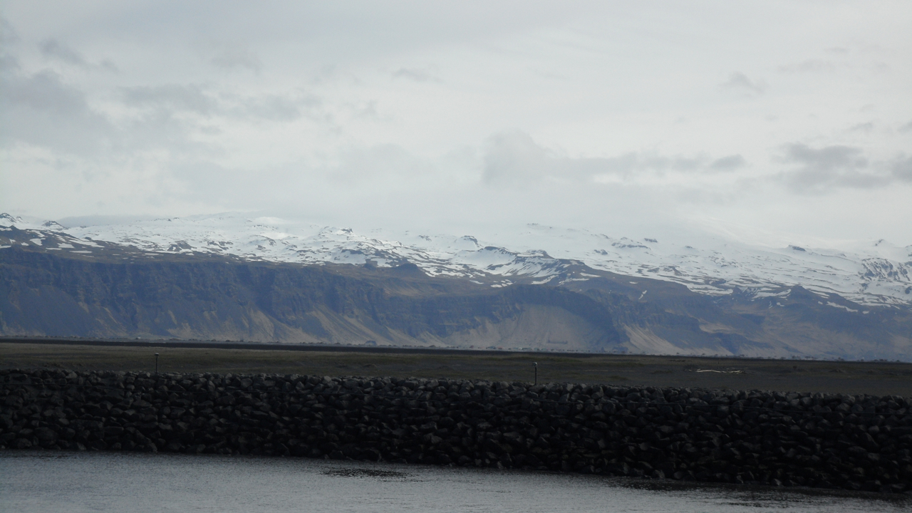 One of the coolest things about Iceland is how often you can see ocean and mountains at the same time.
