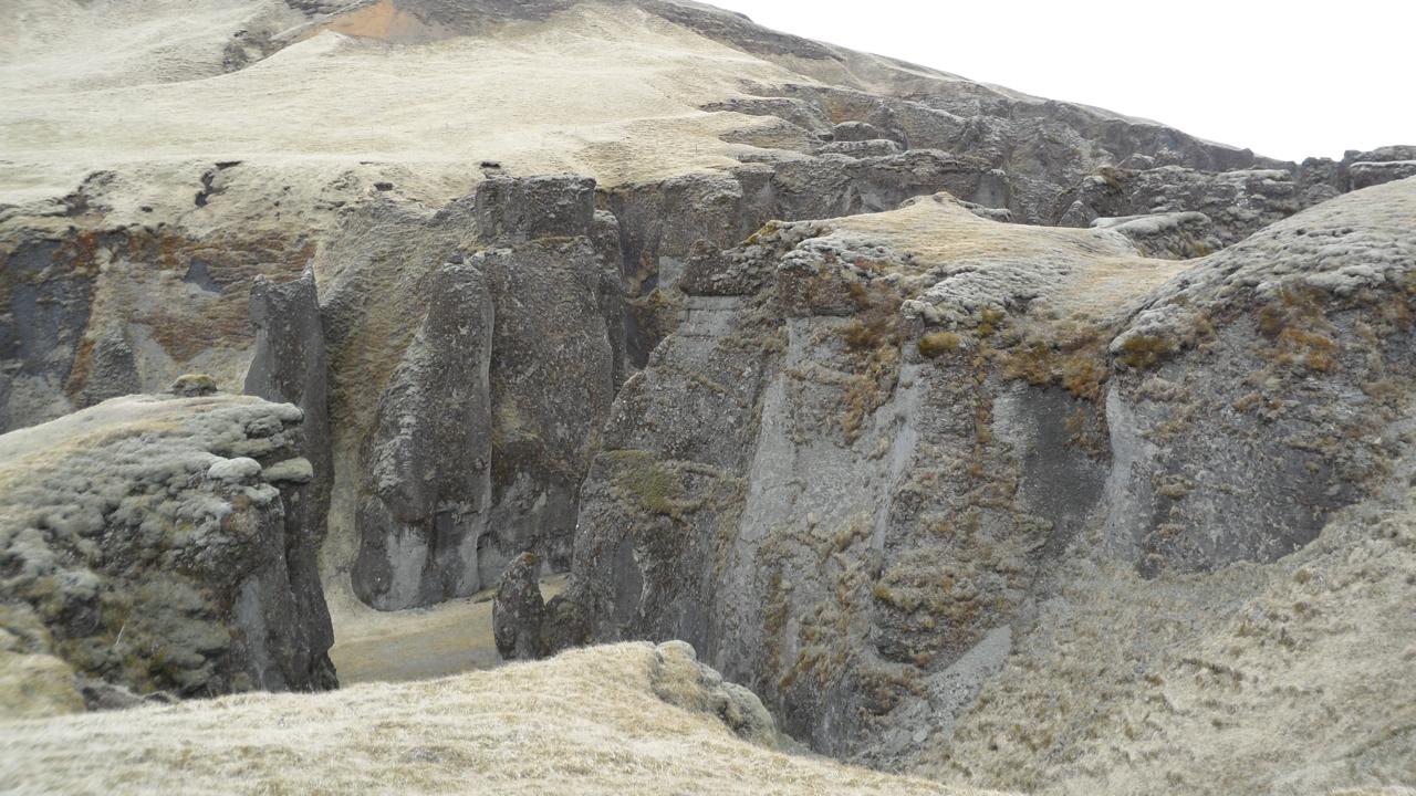 More Fjaðrárgljúfur.