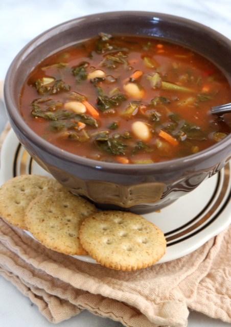 Crockpot-Vegetable-White-Bean-Soup3.jpg