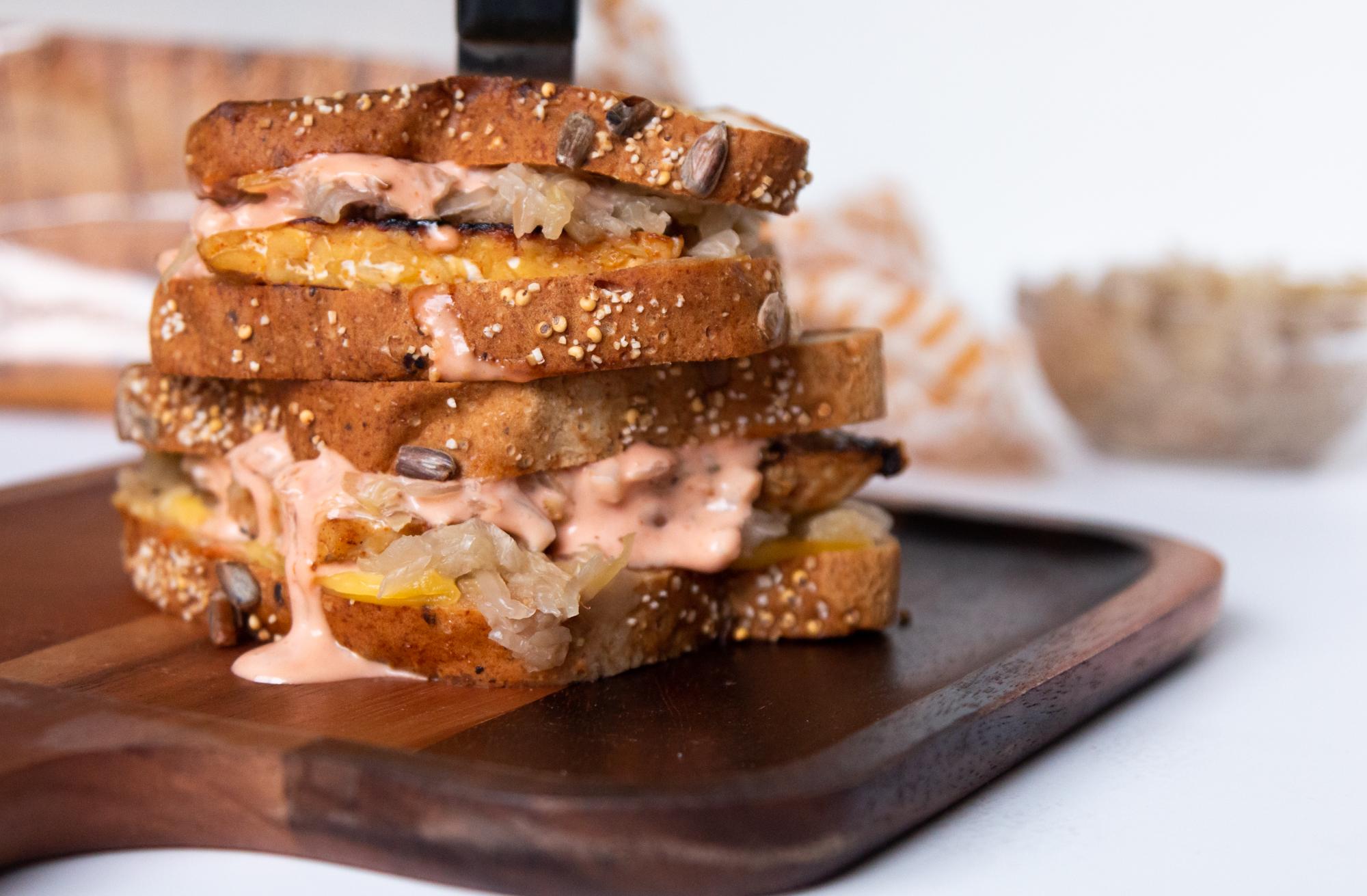 Classic Tempeh Diner Sandwich_Nutritious Vida