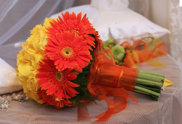Image via You & Your  Wedding