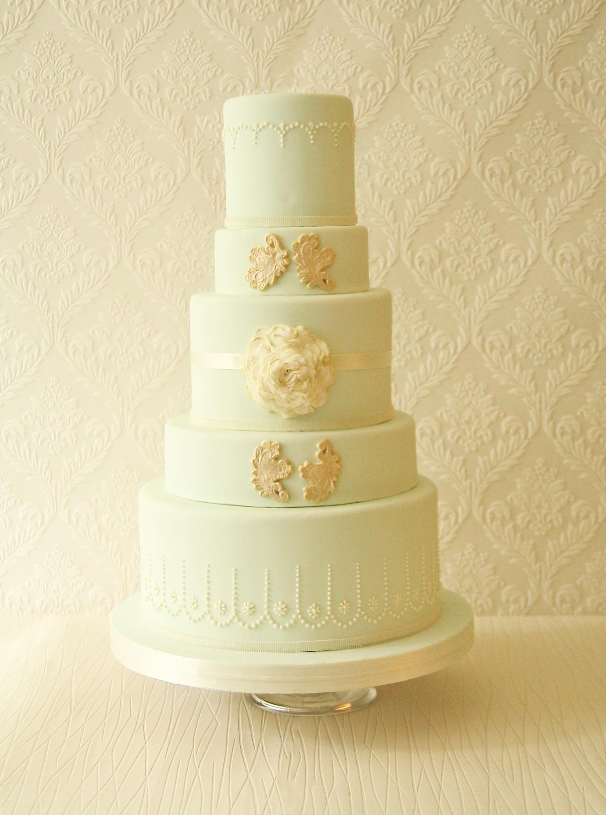 Aphrodite wedding cake