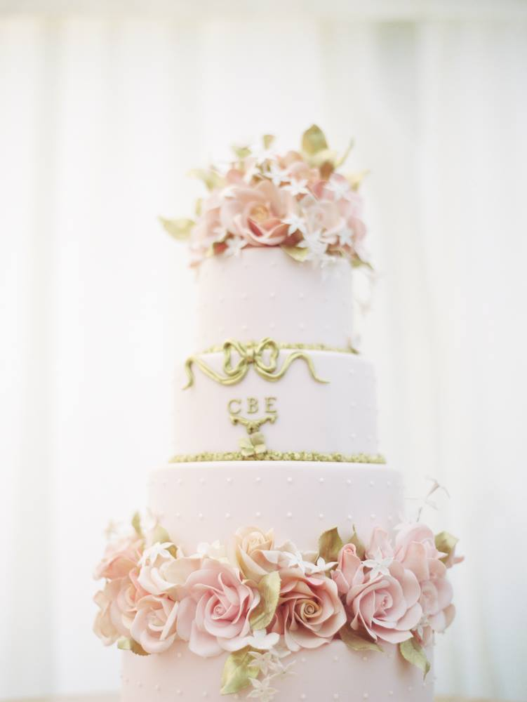 spring wedding cake, flowers