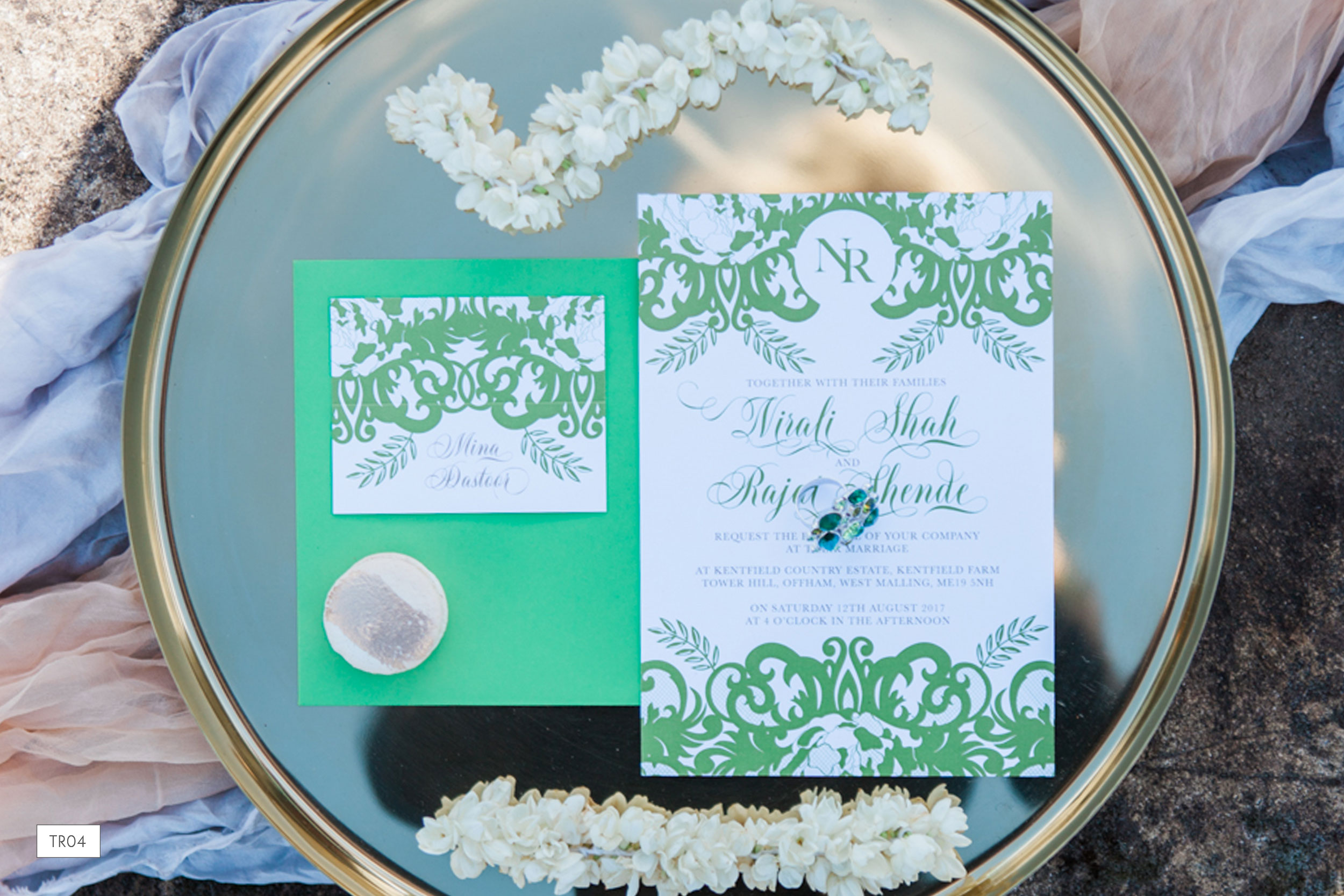 pantone-greenery-wedding-invitation-set.jpg