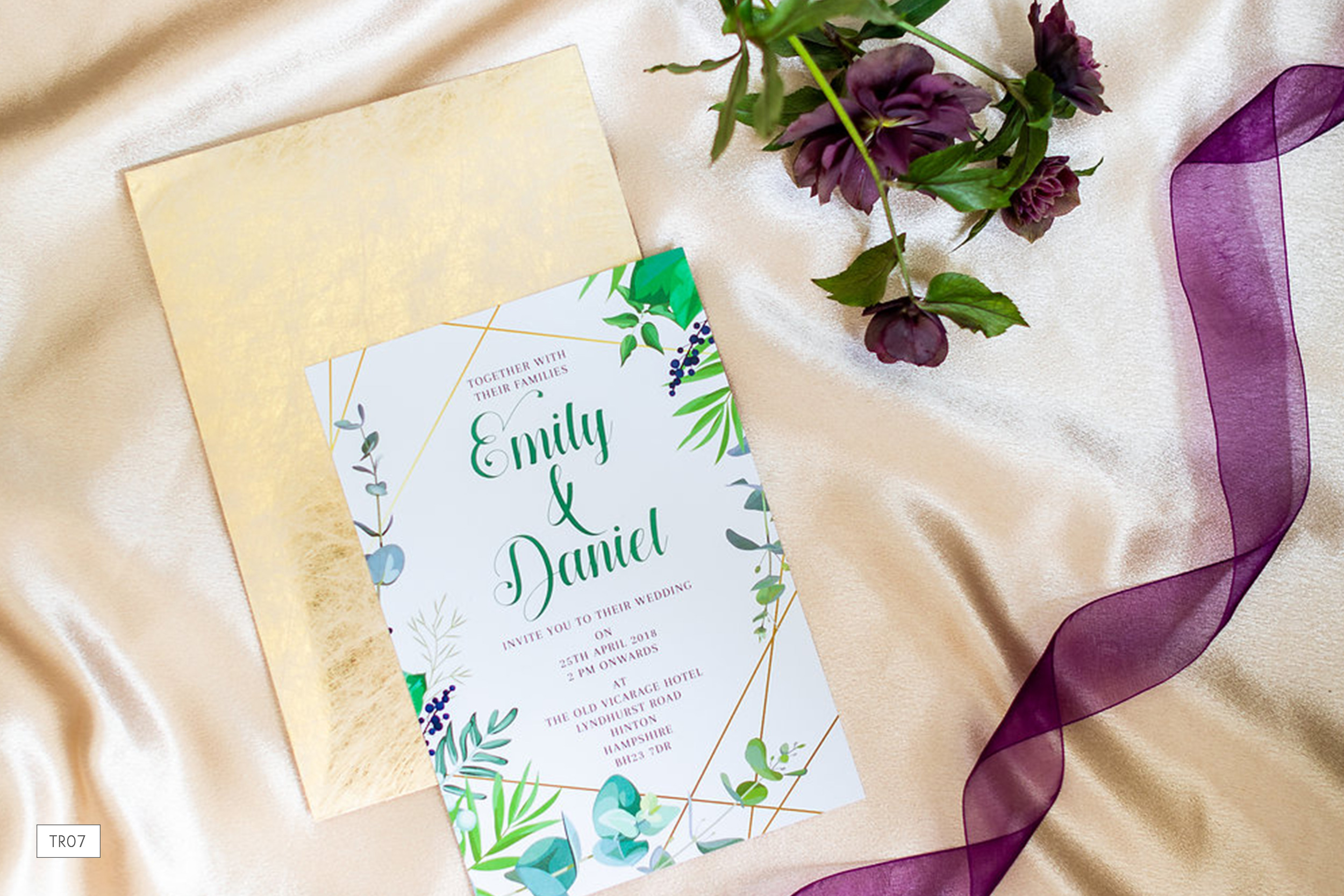 tr07-tropical-wedding-invitation.jpg