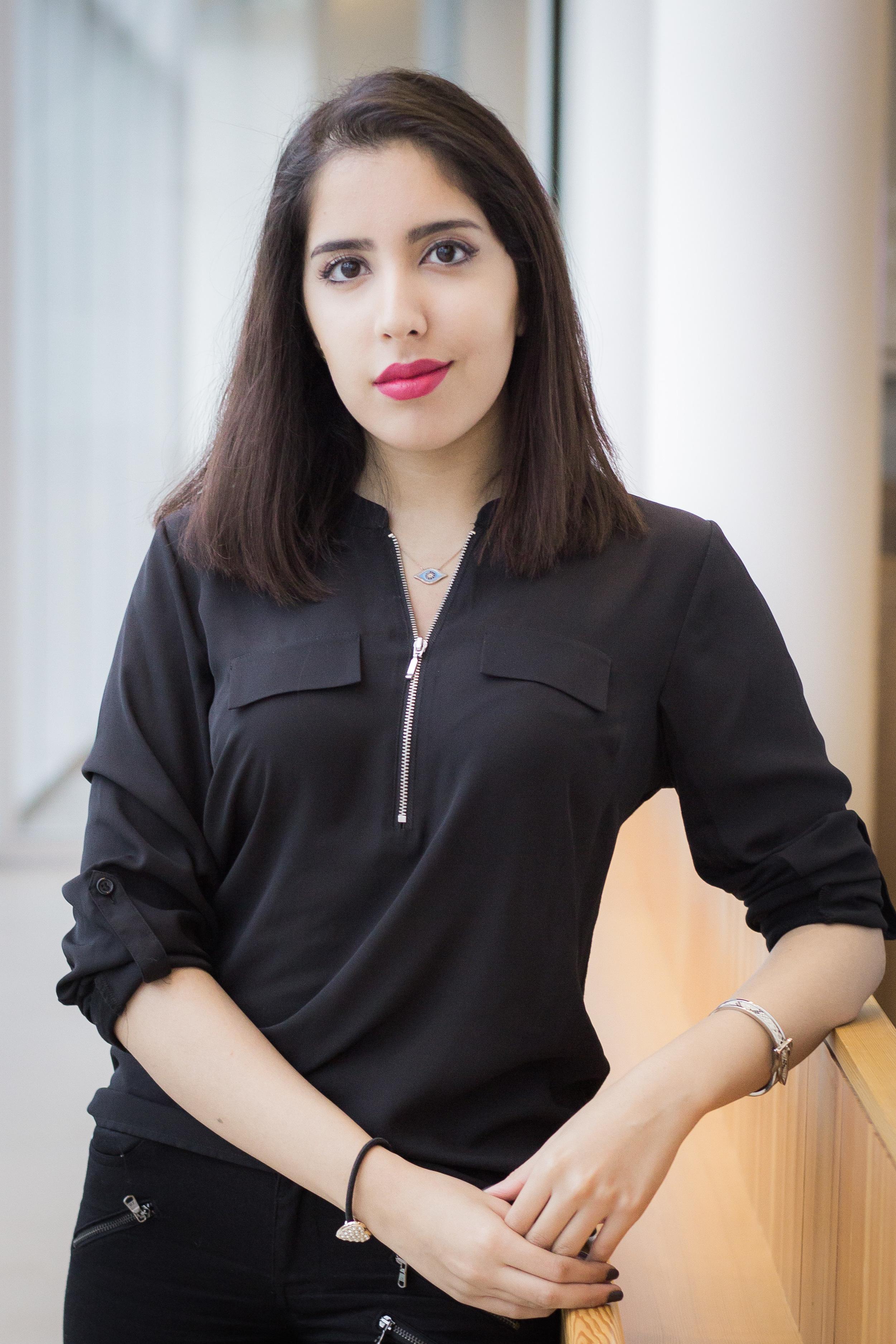 Niki Abdoli, Associate Editor