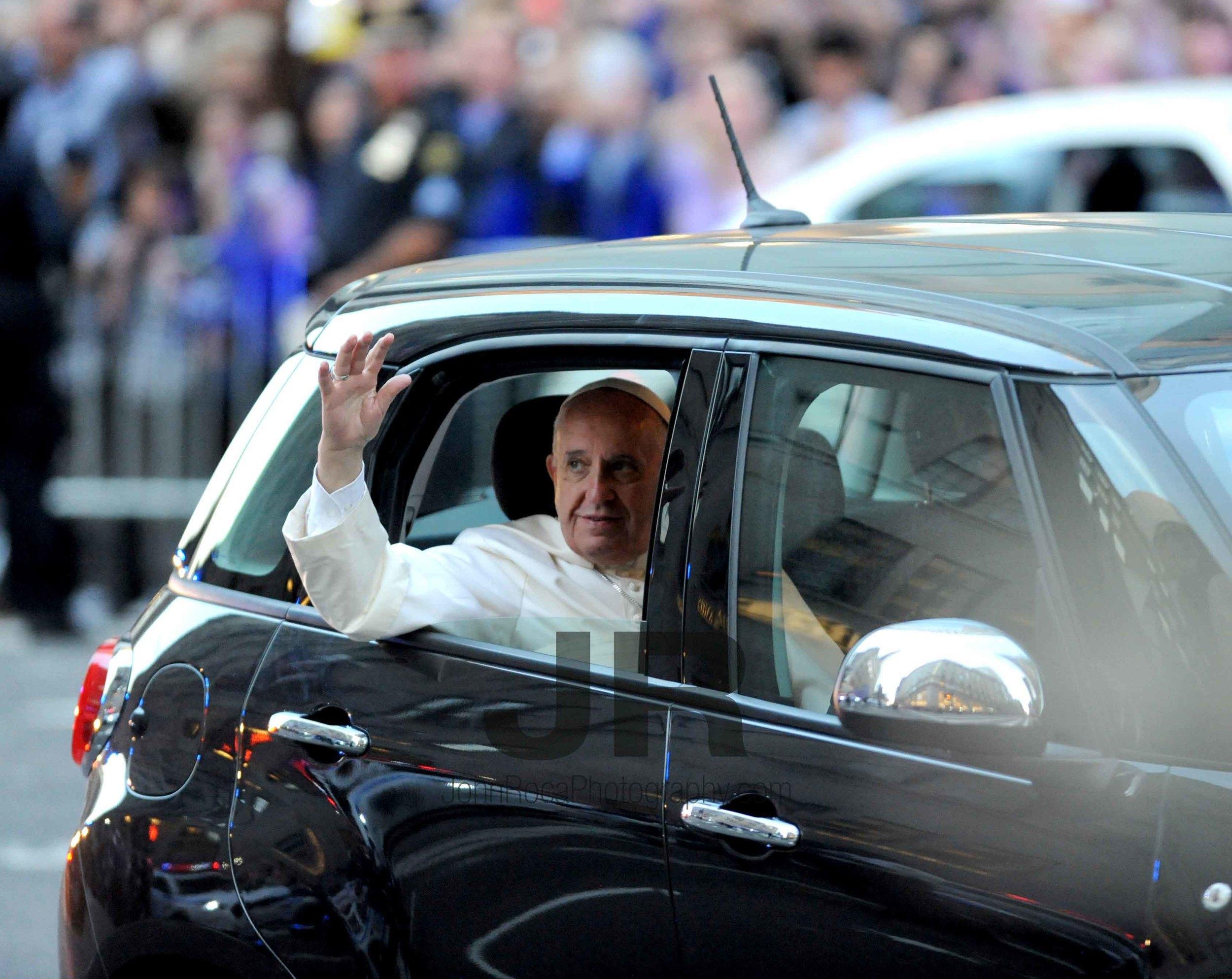 papal 1.jpg