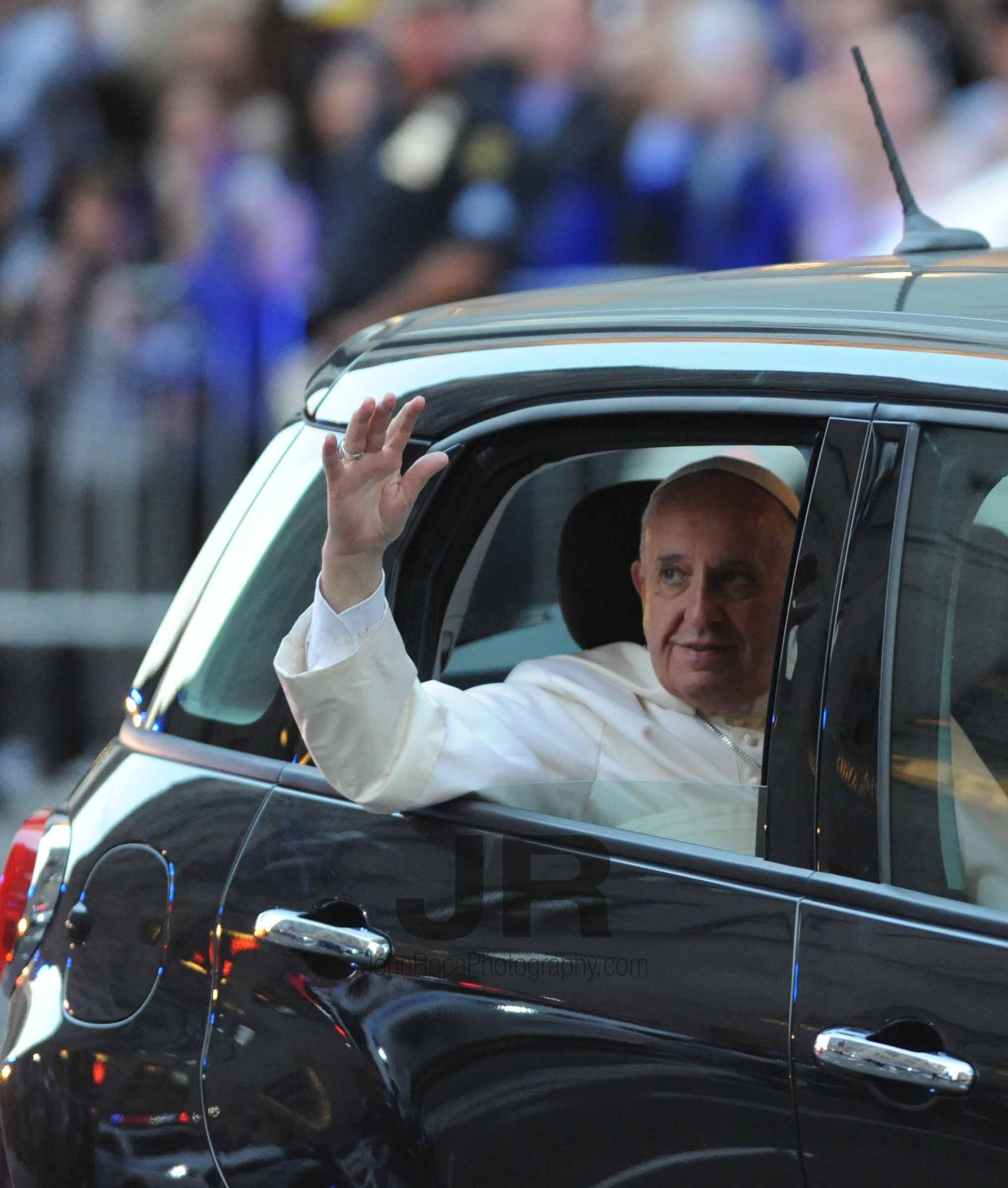 papal 3.jpg