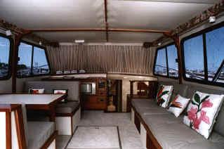 Hawaii fishing charter Magic interior