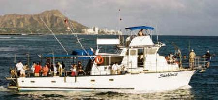 Hawaii near shore bottom fishing off Waikiki