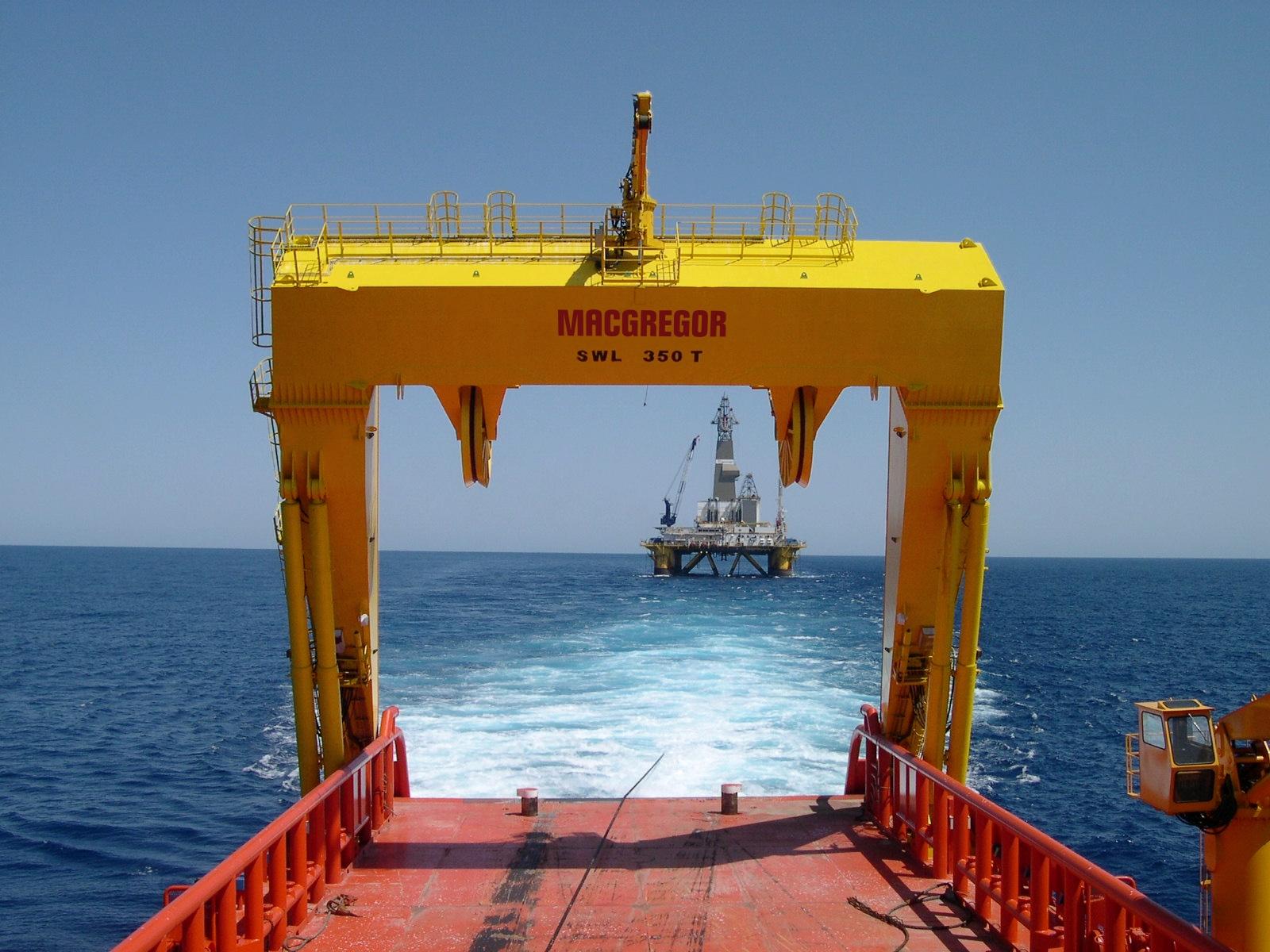 350t A-frame towing Mariana_lofoFx.jpg