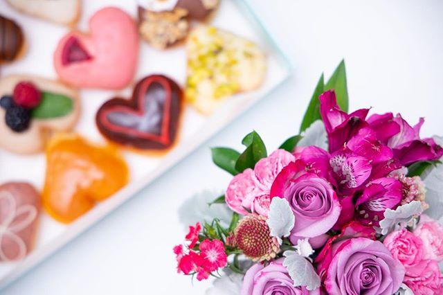 💖 HAPPY L🍩VE DAY 💖 . . . . 🍩 Assorted Mini Heart Donuts 📷 @taylorbescobyphoto #donuts #doughnuts #galentinesday #idonutcare #instadaily #treatyoself #food #yum #instayum #laeats #dinela #valentinesday #birthday #weekendeats #la #donutsnob #love  #buzzfeast #beautiful #butfirstcoffee #nomnomnom #la #goals #instagood #photooftheday #foodstagram #vday