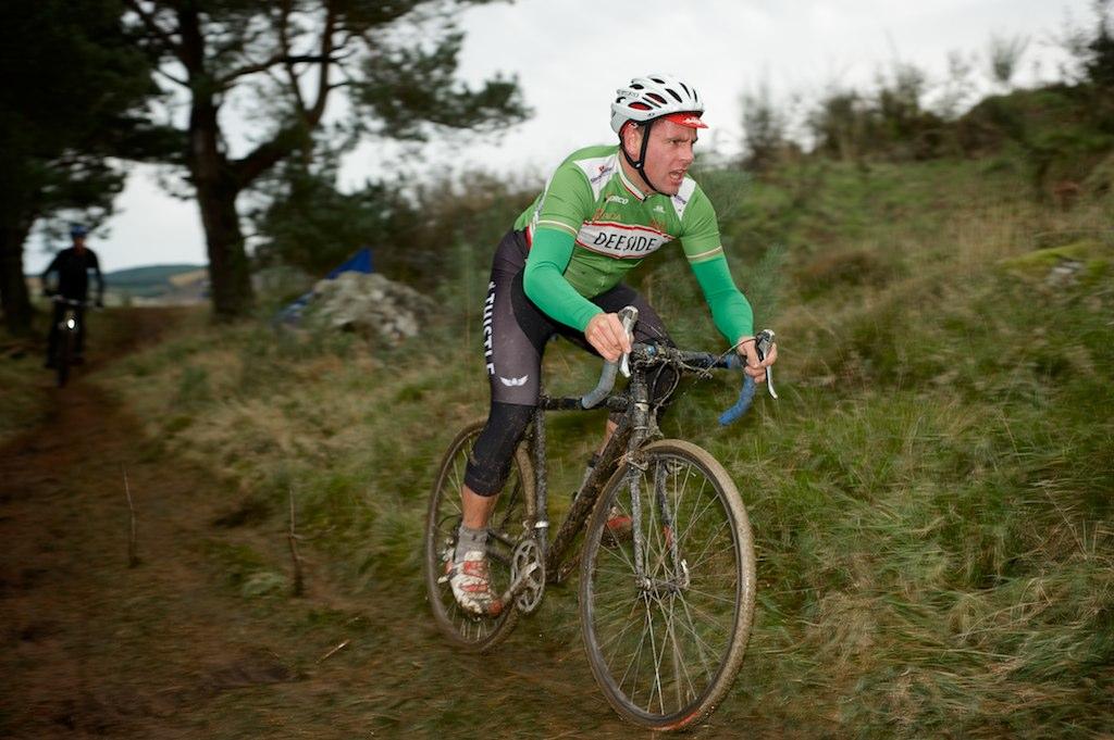 Race Director Iain Pryde,  sans  gloves, Belgian style. Photo:  Colin Calder