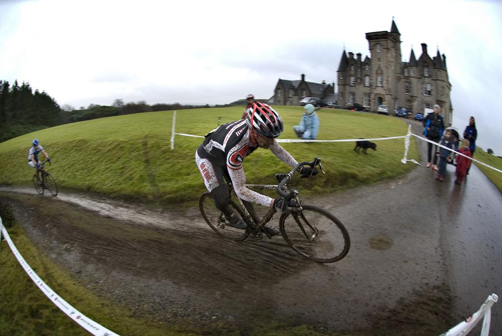 Steven McINNES, storming the castle. Photo: Scottish Cyclocross