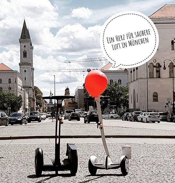 Beispiel mit Sprechblasen auf instagram: Zwei kleine  #segways  unterwegs in  #münchen - foto: alice lindl