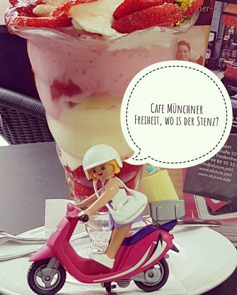 beispiel mit der playmobilfigur auf instagram:  #emobilität  auf dem Odeonsplatz  #eRoller  getestet. unser  #NIU  ist der Beste😎 Eis essen im  #Cafe  Münchner Freiheit auf der Suche nach dem ewigen Stenz - Foto: Alice Lindl