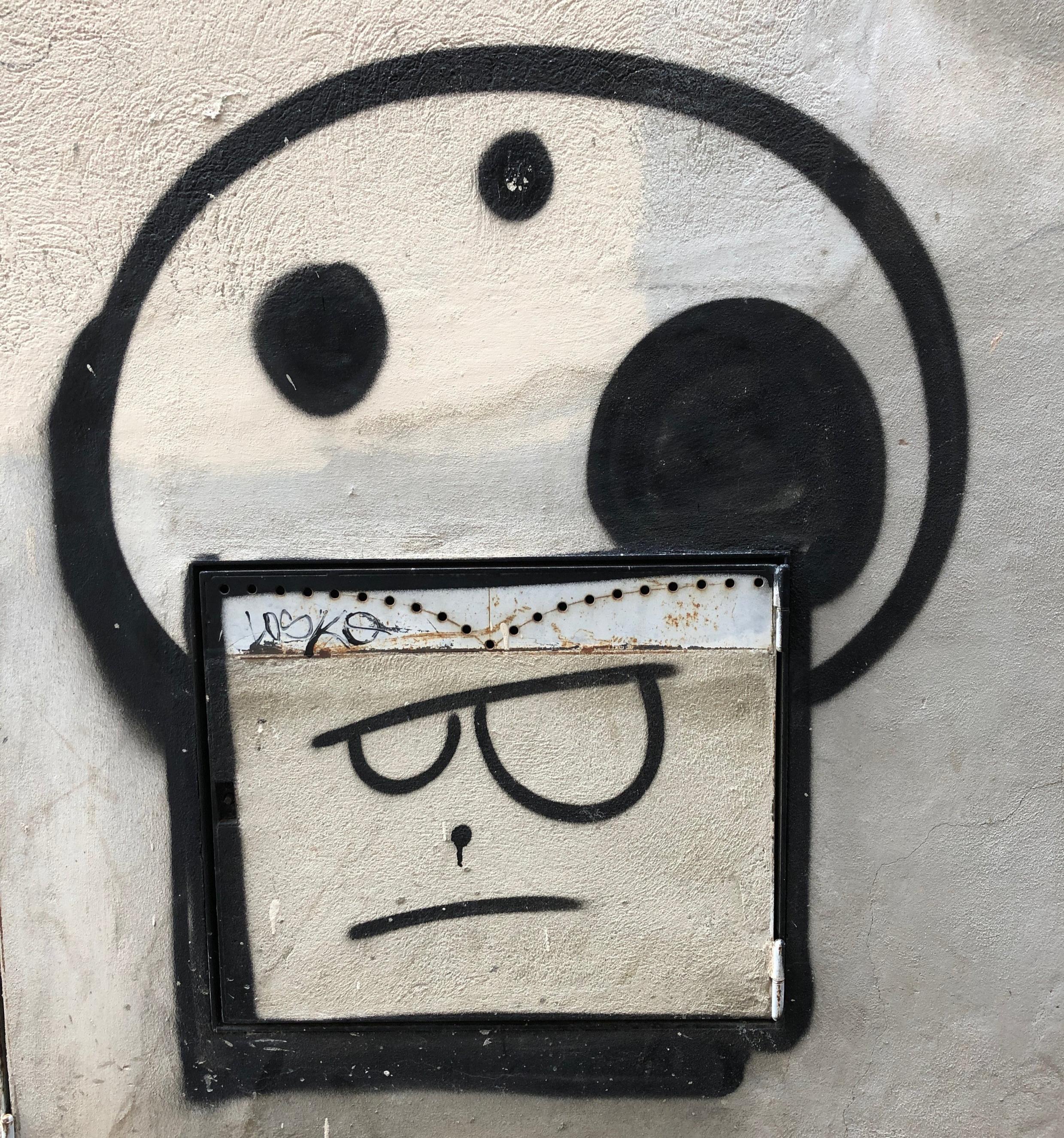 Illustrationen an der Wand - schnell mit dem Smartphone aufgenommen und in den Bilderpool gepackt - mit wenigen Strichen können so Emotionen dargestellt werden.