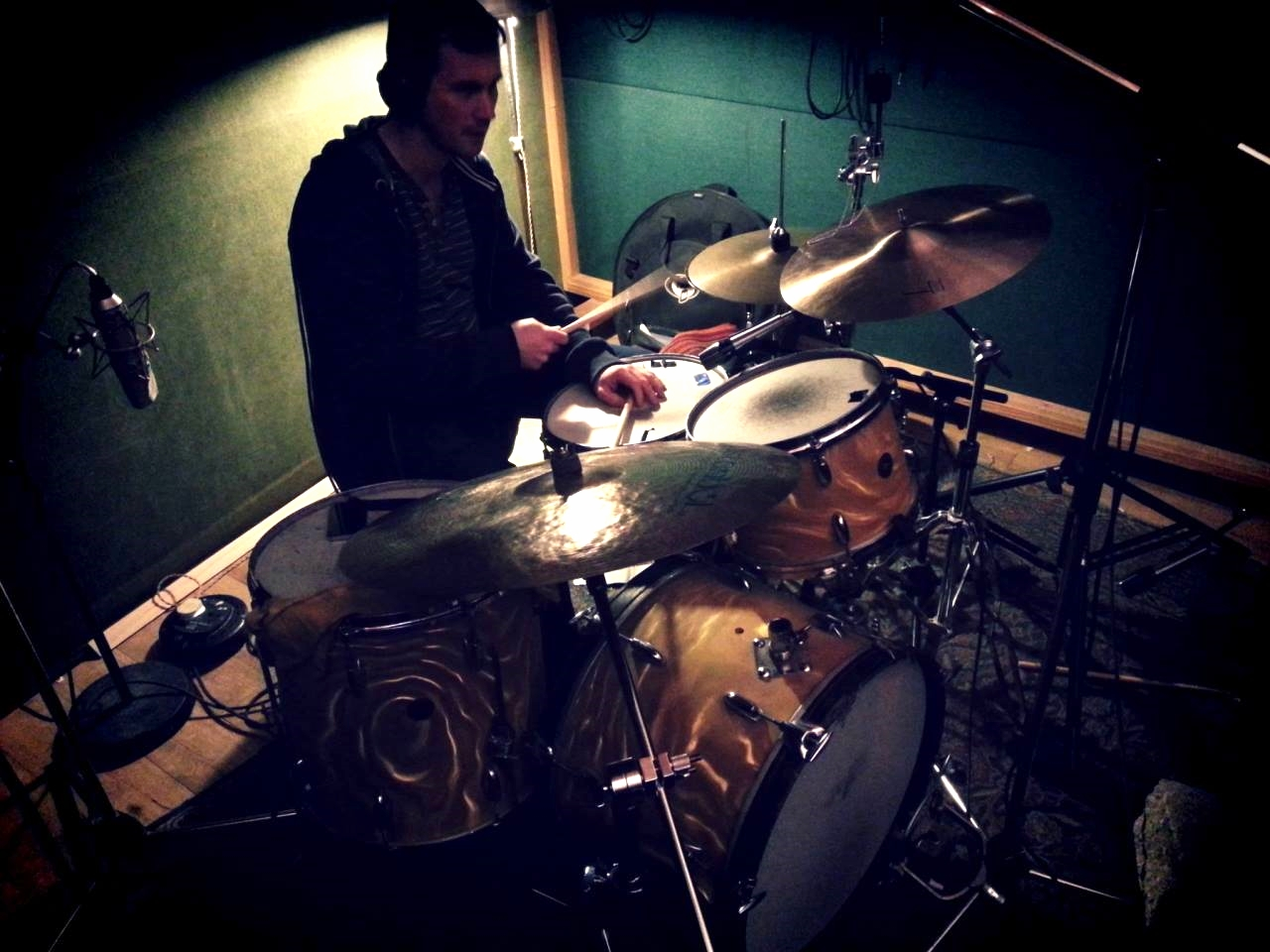 Tracking at Fish Factory with producer Ben Lamdin on a gorgeous old Gretsch Roundbadge