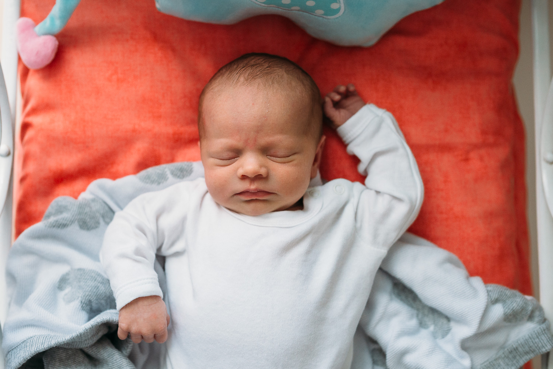 Newborn Lifestyle-8.jpg
