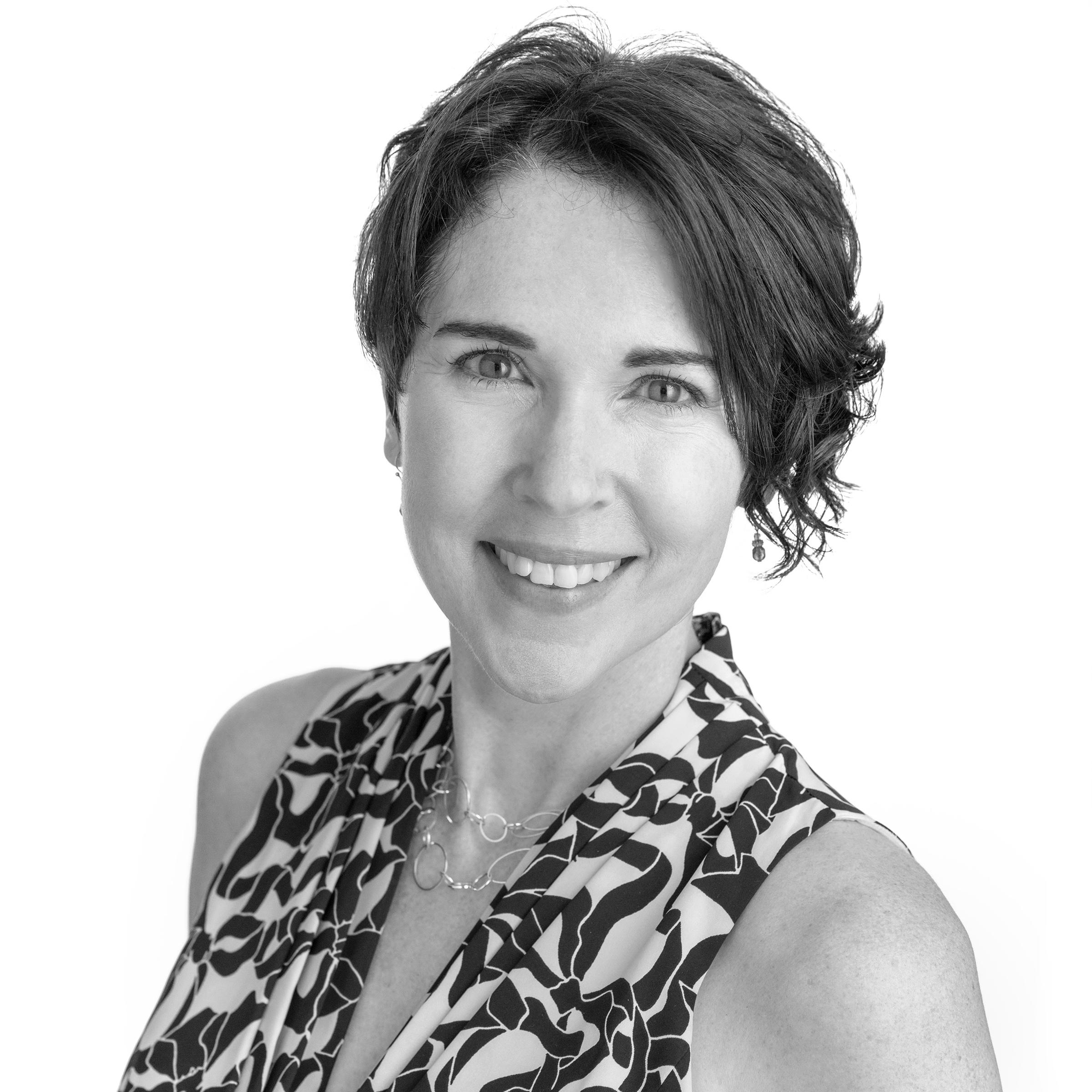 Tracy Teuscher, The Buzz Maker, Public Relations, PR, President, Accredited, APR, Queen Bee.