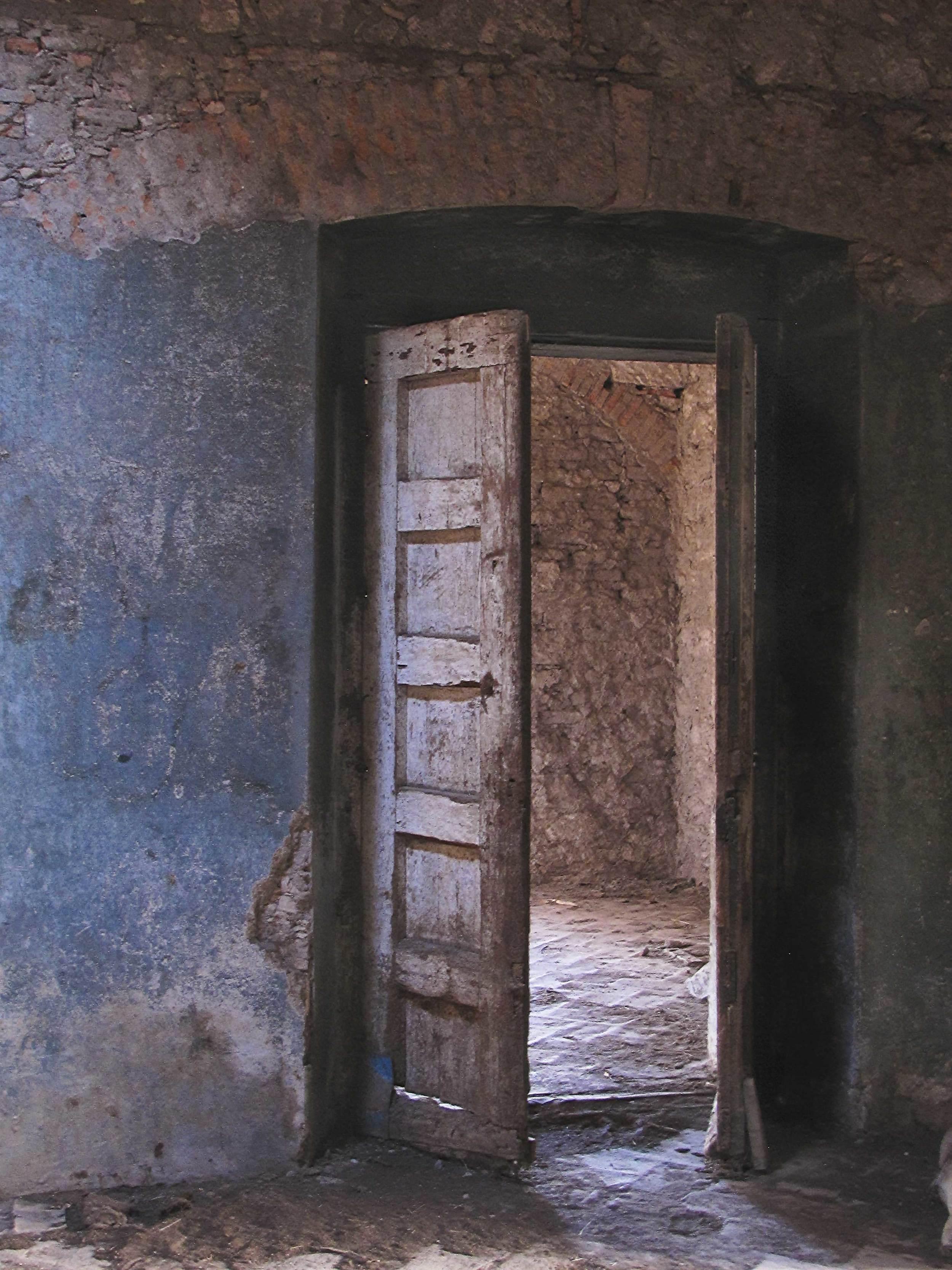 Blue-wall&-Door-ver3.jpg