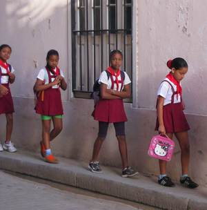 School-girls-croppedIMG_9785.jpg